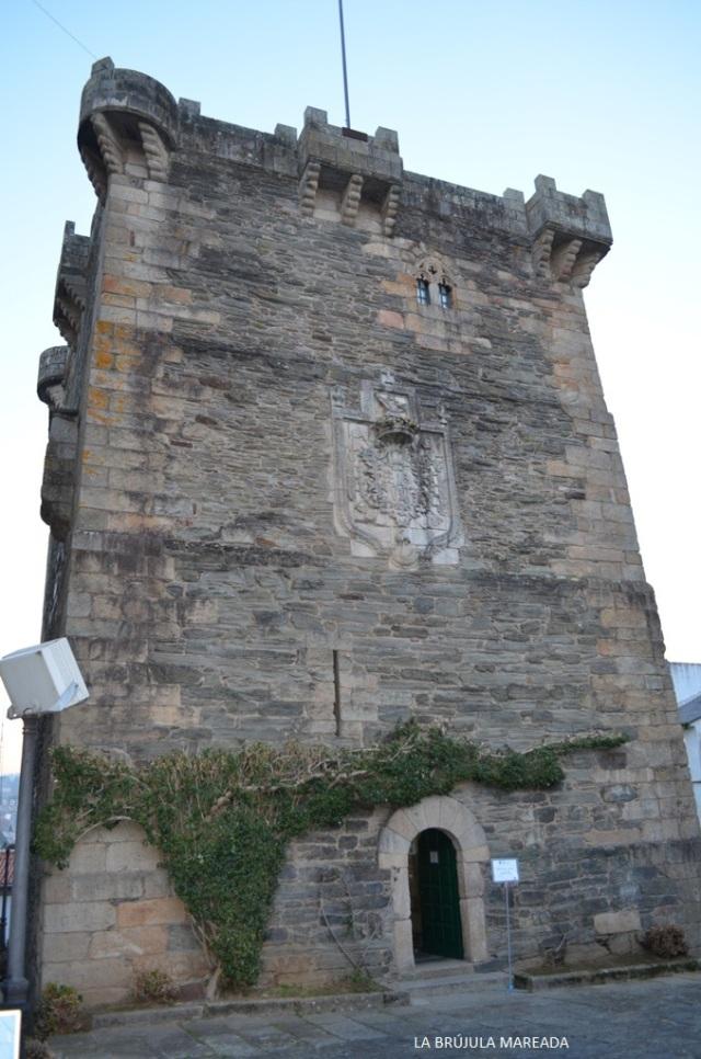 El Torreón dos Andrade alberga la Oficina de Turismo y un centro de interpretación.